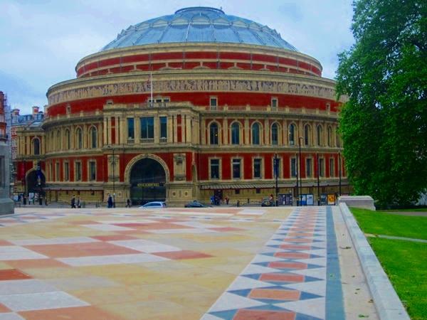 0090 P Albert Hall