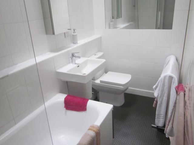 0125 Archie's Bath Room