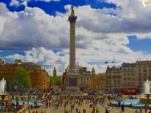 3250 London Trafalgar Sq