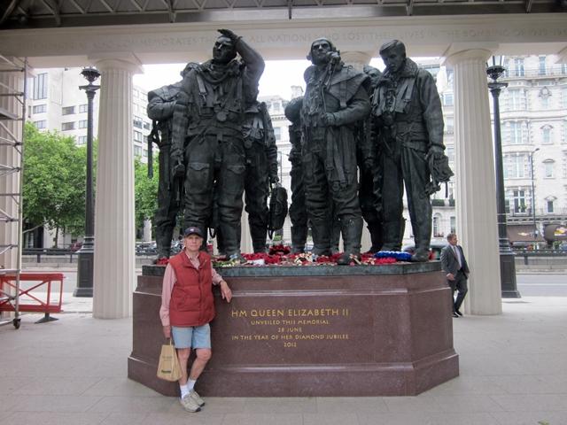 3420 London Bomber Cmd Monument