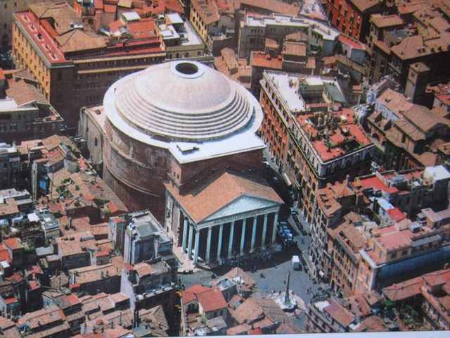 0395 The Pantheon