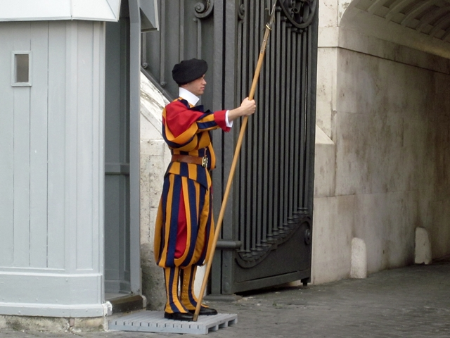 0515 St Peter's Swiss Guard
