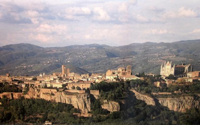 0705 Orvieto Aerial View