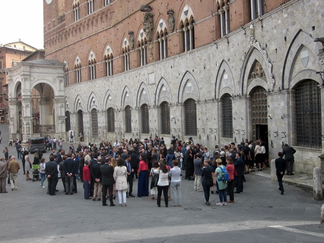 1095 Siena Main Square Wedding