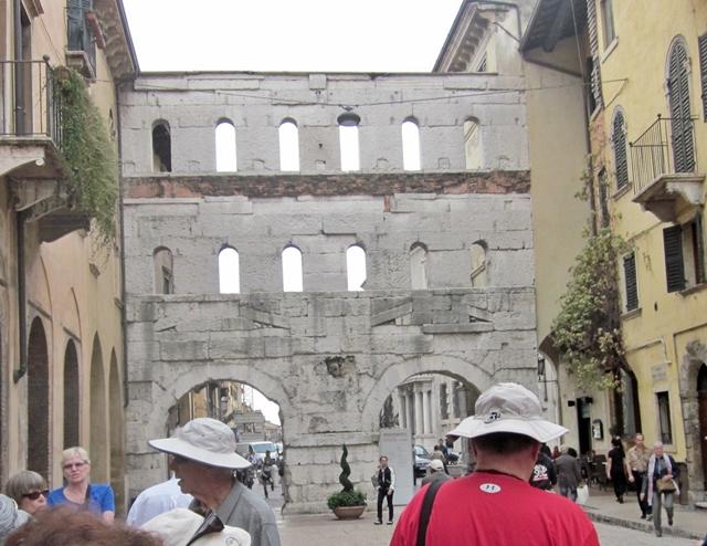 1705  Verona Roman Gate