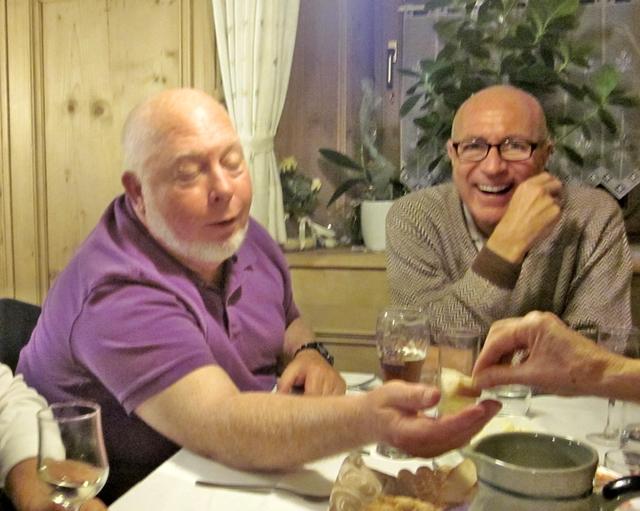 3055 Renon Dinner Begger
