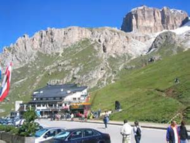 3194  Dolomite Passo Pordoi Rest