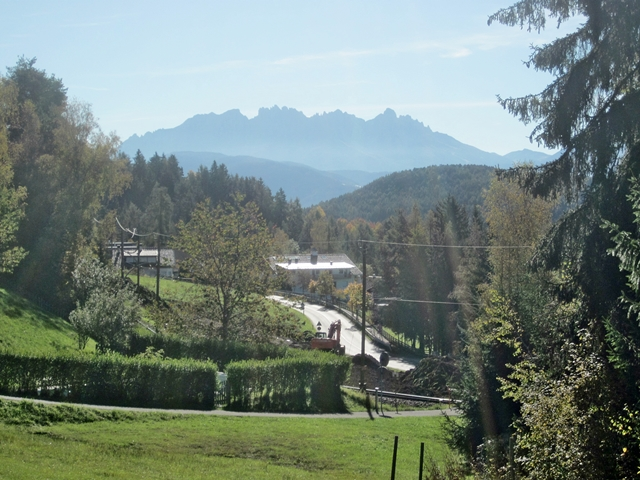 4090 Renon Hike 3
