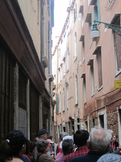 4285 Venice Alley