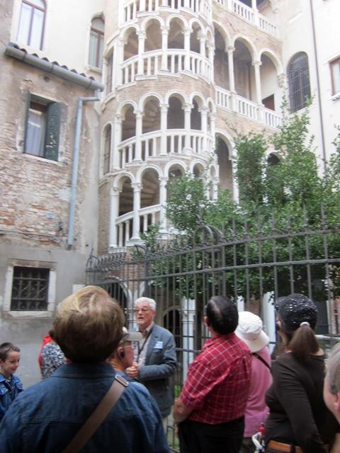 4295 Venice Stairs 2
