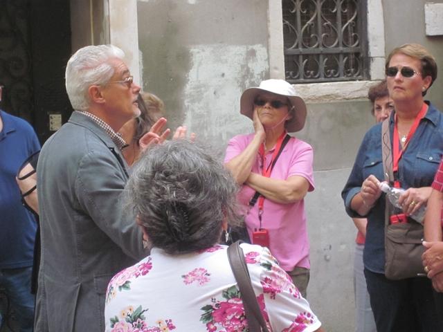 4305 Venice City Guide
