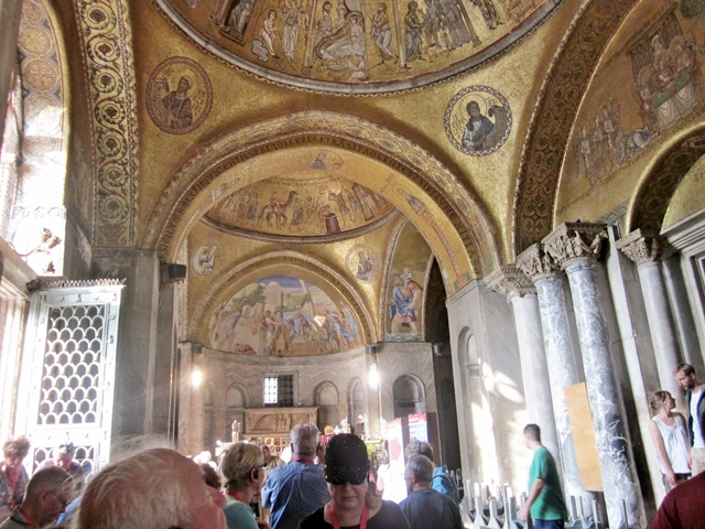 4370 Venice St Marks Interior 1