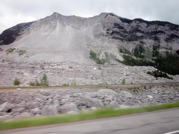 3000 Frank Landslide