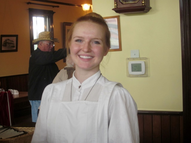 3015 Fort Steele Waitress