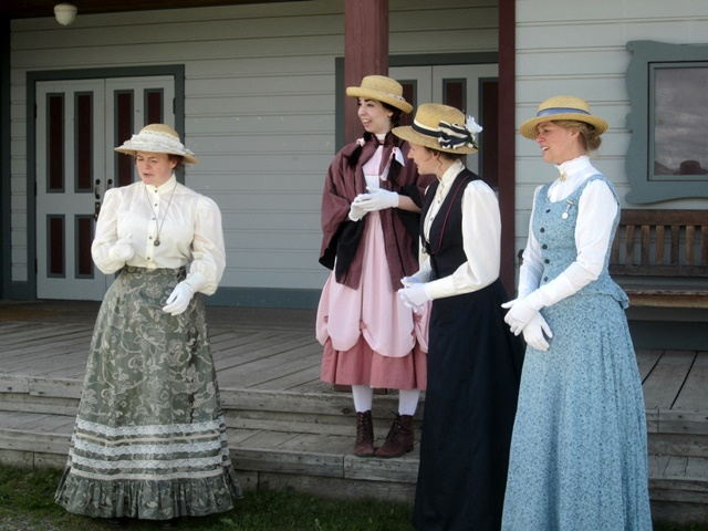 3035 Fort Steele Actresses