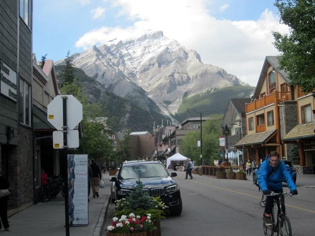3050 Banff Main Street