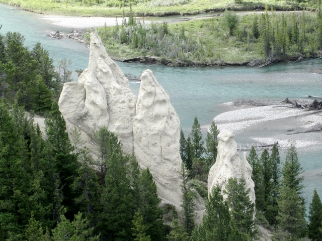 3065 Banff Hoodoos & Bow River