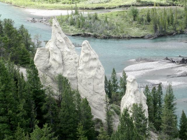 3065 Banff Hoodoos & Bow River
