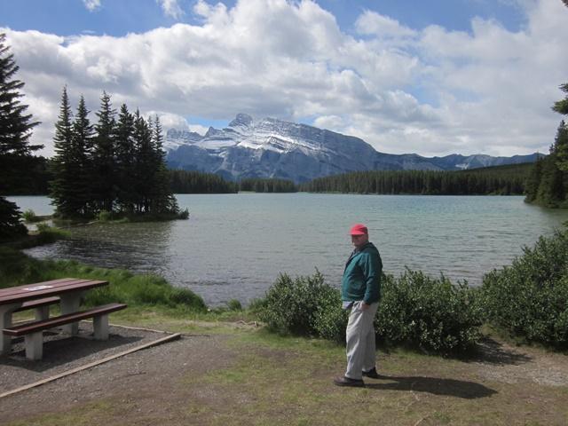 3070 Minnewonker Lake