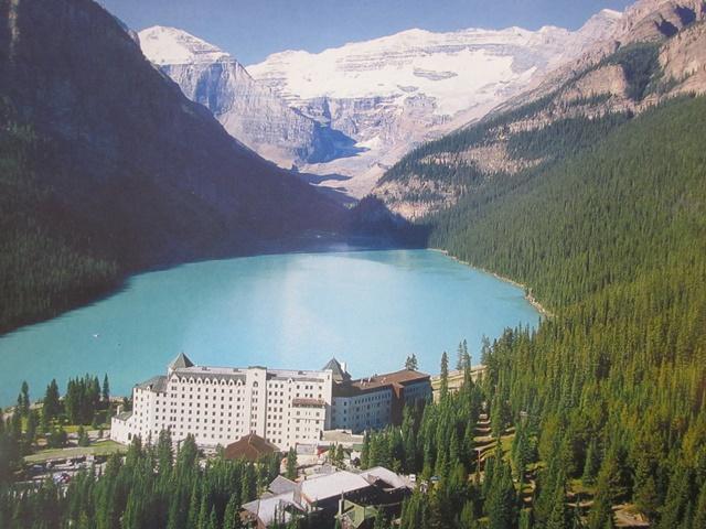 4070 Lake Louise