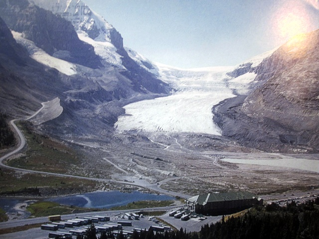 4075 Athabaska Glacier